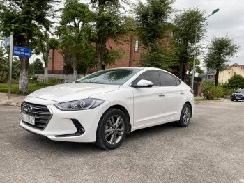 Hyundai Elantra sản xuất 2017 số tự động máy 1.6.