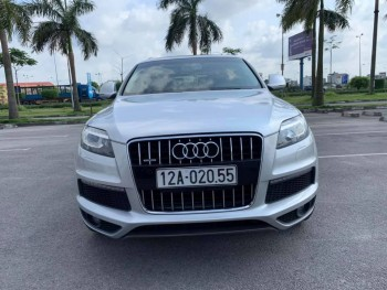 Audi Q7 Quattro Full option 7 chỗ gầm cao 4.2 AT phom 2015